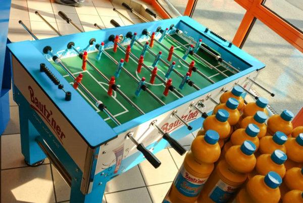 Bautz'ner Tischkicker Bautzner Develey Senf Tube Kicker Tablekicker Kickertable Kickertisch Fußball WM Mustard Game Gewinnspiel